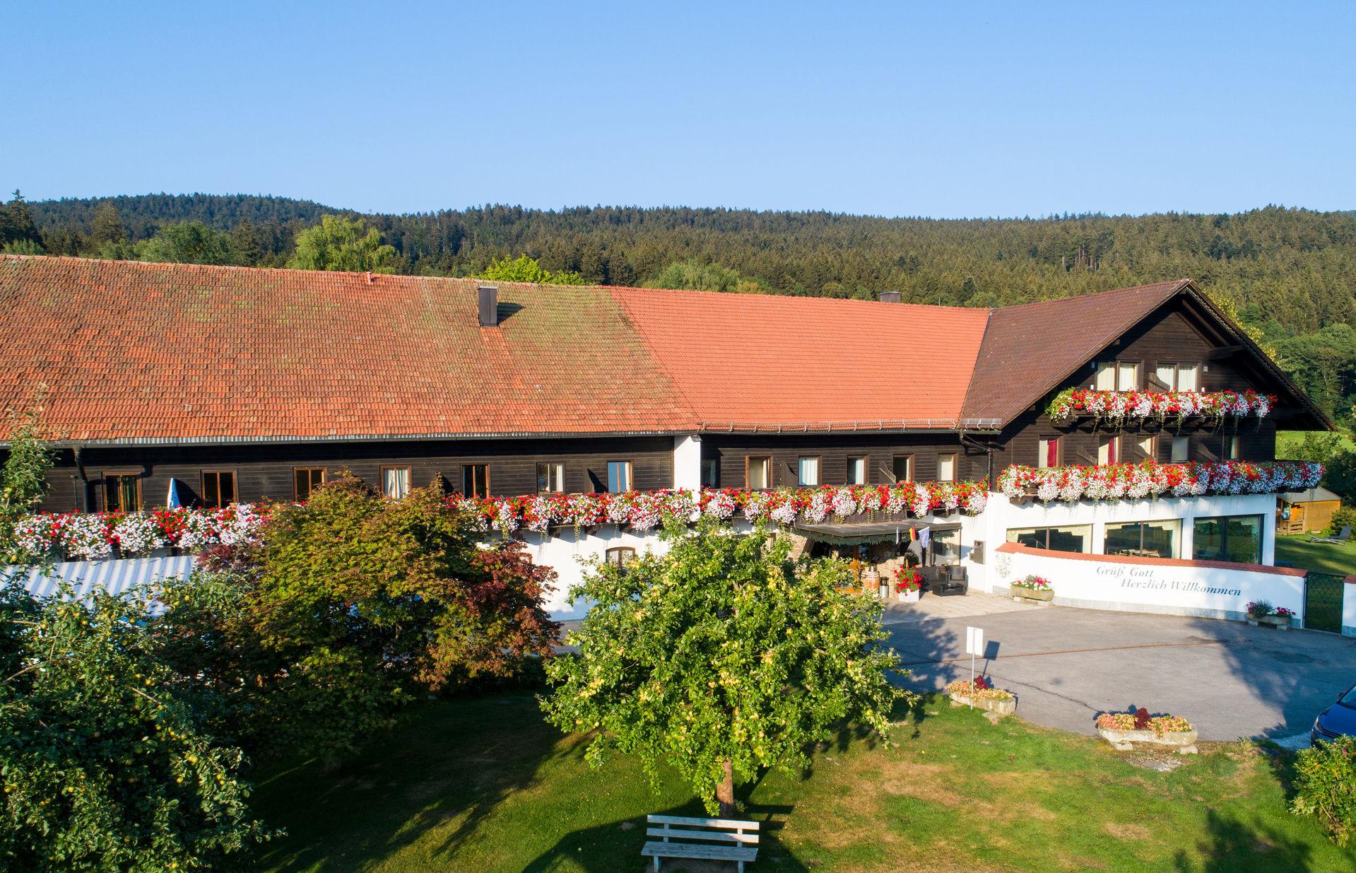 Das Hotel Gut Schmelmerhof Rettenbach Sankt Englmar Bayerischer Wald